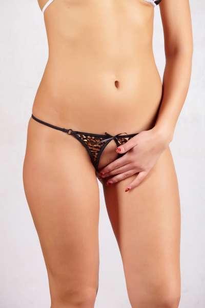 erotika-vagini-v-stringah